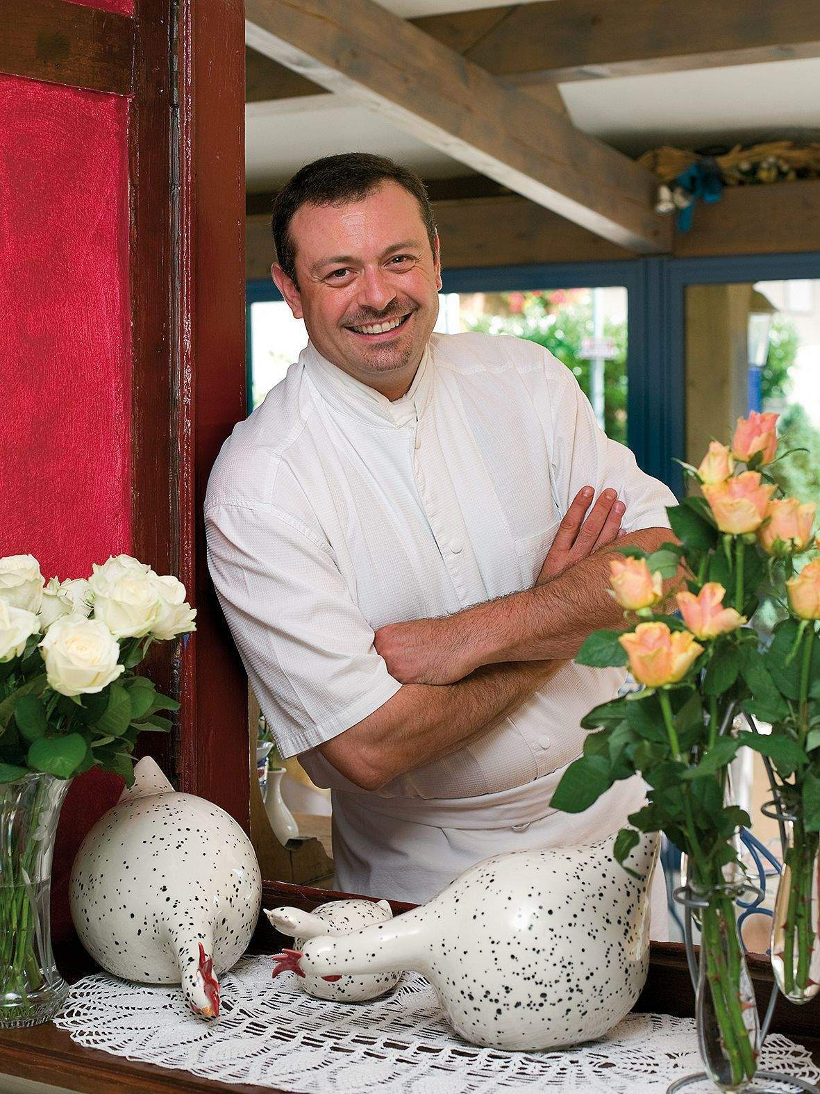 The chef Christophe Favre of the Inn Bressane of Buellas, a restaurant in Buellas in the Ain region with a swimming pool, spa and wellness area near Bourg-en-Bresse
